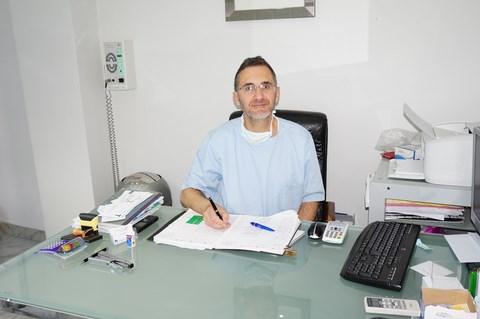 Dr Fabrice Sroussi, Dentiste Persan