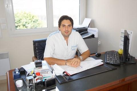 Dr Benjamin Mimoun, Dentiste à Persan