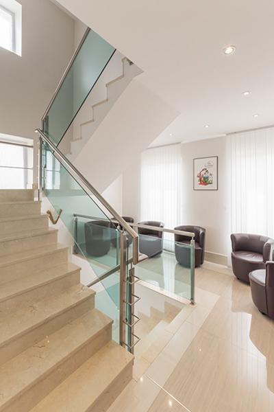 Escalier - Dentiste Persan