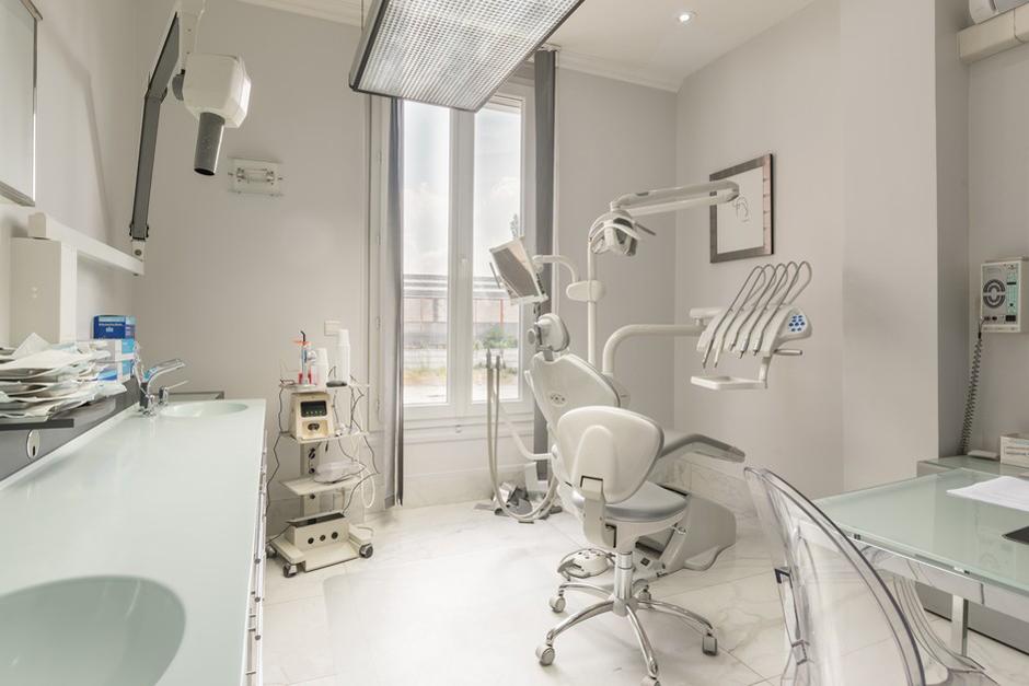 Salle de soins dentaires du Cabinet dentaire à Persan