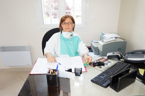 Dr Karen Sitbon-Lugassy, Dentiste Persan