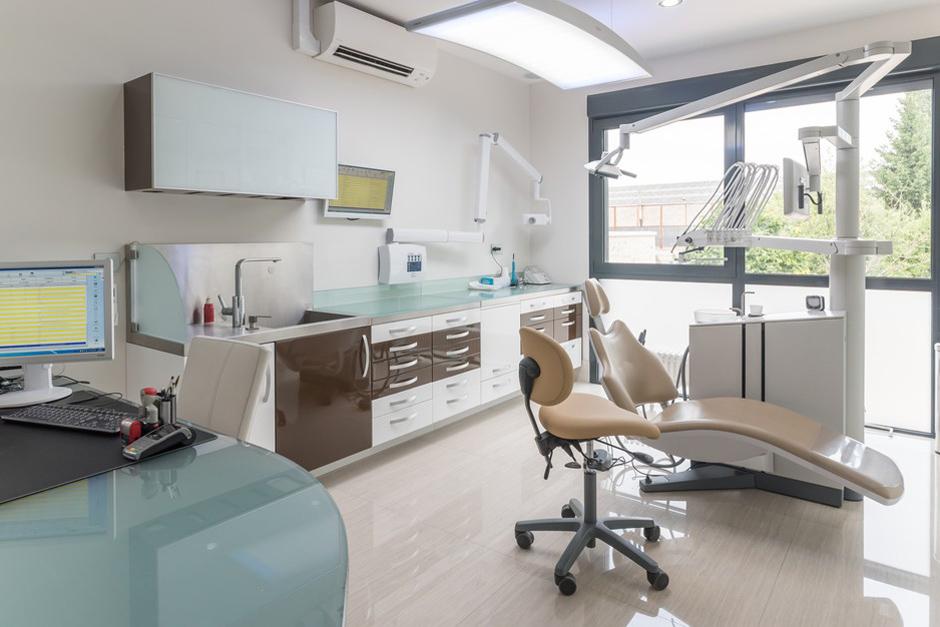 Salle pré-op et post-op de chirurgie - Dentiste Persan